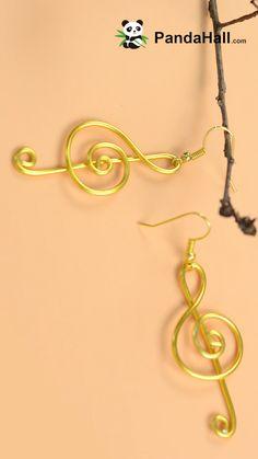 ワイヤ-編みの音符の作り方|PandaHall DIY - How to make Music Symbol Earrings (WARNING) I suggest you turn the volume down or off….They attached a song that is not necessary for this video or unless you like it turn it up, an prepare your ears to bleed. Wire Jewelry Designs, Jewelry Patterns, Jewelry Crafts, Jewelry Ideas, Wire Jewelry Making, Jewelry Making Tutorials, Making Bracelets, Handmade Jewelry Tutorials, Handmade Wire Jewelry
