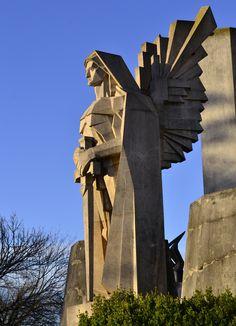 Galería de La obra de Francisco Salamone en Argentina: cementerio, matadero y municipalidad - 5