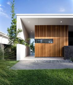 Incredible #exterior featured on one of our Peregian Springs projects located on the #SunshineCoast. #homedesign #design #modern…