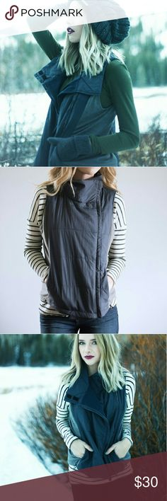 Navy Grey Puffer Vest Super cute puffer vest from Piper and Scoot. Navy with grey paneling. Zips up. Piper & Scoot Jackets & Coats Vests