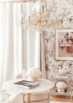 Rich Girl Bedroom, Home Interior Design, Design Interiors, Inspirational Wallpapers, Aesthetic Rooms, Inspired Homes, New Room, Office Decor, Maria Theresa