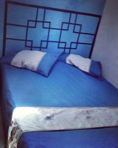 Cabeceira da minha cama de fita adesiva
