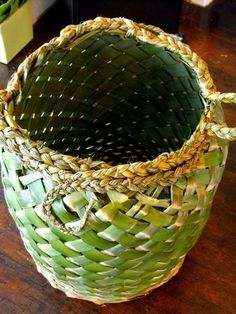 No automatic alt text available. Flax Weaving, Basket Weaving, Hand Weaving, Woven Baskets, Palm Frond Art, Palm Fronds, Flax Flowers, Coconut Leaves, Flax Fiber