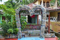 #Recycling #Upcycling #Permakultur #Indonesien Arch, Fair Grounds, Outdoor Structures, Garden, Travel, Design, Permaculture, Indonesia, Island