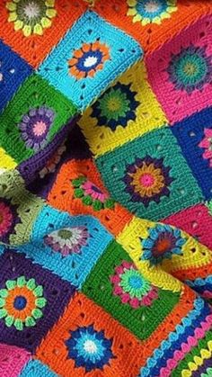 Transcendent Crochet a Solid Granny Square Ideas. Inconceivable Crochet a Solid Granny Square Ideas. Granny Square Blanket, Granny Square Crochet Pattern, Afghan Crochet Patterns, Crochet Granny, Knit Crochet, Granny Squares, Scrap Yarn Crochet, Crochet Leaves, Crochet Circles