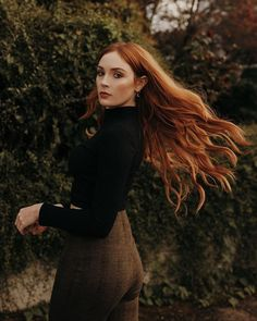 Danielle Victoria, Freckles Girl, Lily Evans, Black Costume, Ginger Girls, Redhead Girl, Retro Hairstyles, Poses, Ginger Hair
