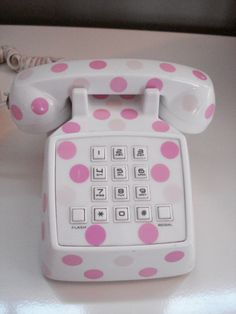 Perfect pink and white polka dot phone.