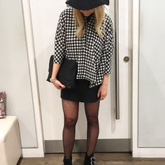 We adore the gingham revival this season, and we can't get enough of this oversized shirt by Boutique. Crafted in a soft cotton, with an all-over monochrome gingham print we love the contrasting placket and panel detail to the front. #Topshop