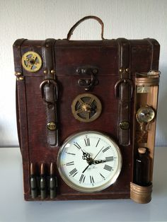 steampunk case http://steampunk-heaven.nl/product/steampunk-case-8/