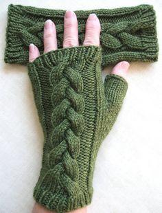 Guantes sin dedos para las mujeres trébol por BellaBlueKnits