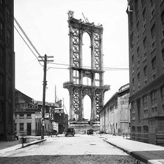 #flashbackfriday One of our favorites by Department of Bridges photographer Eugene de Salignac. #dumbo #nycarchives