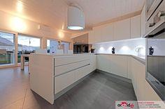 Arredamento per residenza privata, Sant'Antonino, 2013 - archidé - interior design - cappa #falmec Spring e.ion