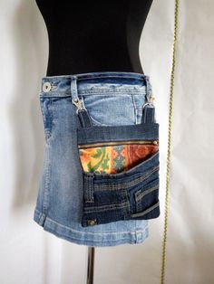 Denim universal handbag - purse over the shoulder and at the waist Denim Backpack, Denim Bag, Diy Denim Purse, Denim Jean Purses, Denim Handbags, Diy Jeans, Denim Ideas, Denim Crafts, Diy Clothes