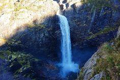 Reposting @togetheronadventure: Beautiful nature in Norway😍🙏🏼 #månafossen #lovenature #naturelove #instanature #falls #waterfall