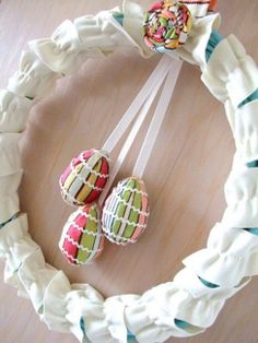 DIY Easter egg wreath, Easter wreath tutorial, Easter front door decoration #2014 #St #Patrick's Day #home #decor #ideas #DIY www.loveitsomuch.com