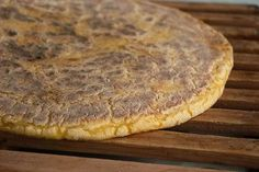Bolo de Sertã is an Azorean Portuguese specialty unleavened flat bread made by the combination of corn and wheat flour.