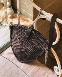 Dimensions: Width on top width on sides, height Unlined Chocolate Color. Bag Material: Polyester Cord Leather handle with chain, height adjustable Crochet Handbags, Crochet Purses, Leather Handle, Leather Bag, Brown Leather, Mode Crochet, Potli Bags, Chocolate Color, Knitted Bags