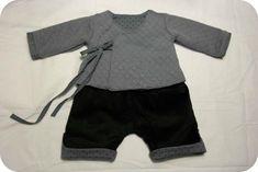 ensemble brassière gris et pantalon noir velours garçon bébé