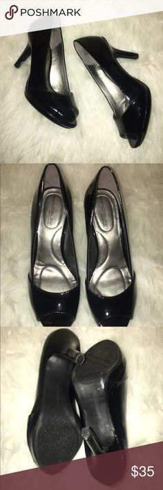 BANDOLINO bandoflex black patent peep toe heels 💖 perfect condition; worn once. man made patent leather. peep toe style with platform. heel is about 2.5 inches. super comfy! Bandolino Shoes Heels