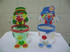 Make a clown and play with balls. Clown Crafts, Carnival Crafts, Puppet Crafts, Carnival Themes, Circus Theme, Circus Party, Clown Party, Preschool Crafts, Diy And Crafts