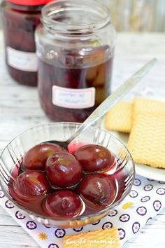 Easy to make can be kept in the pantry for winter. (in Romanian) Prune Plum, Dessert Recipes, Desserts, Pantry, Cherry, Sweets, Homemade, Canning, Postres
