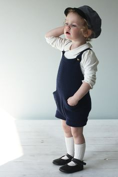 Strikkeklær > Blogg | mamma Little Girl Outfits, Baby Kind, Boy Outfits, Baby Clothes Patterns, Clothing Patterns, Knitting For Kids, Baby Knitting, Salopette Short, Kids Fashion