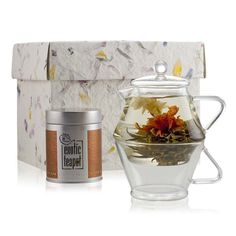 Our new Tea for one Discovery set has everything you need to enjoy a flowering tea on your own.
