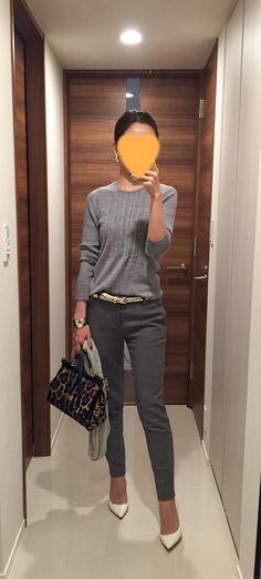 Grey sweater: Des Pres, Grey pants: Des Pres, Leopard bag: Dolce&Gabbana, White heels: Jimmy Choo