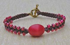 Beginner Macrame' Bracelet:Square Knot Pattern at Sova-Enterprises.com Lots of free beading patterns and tutorials are available!