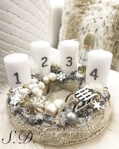 Stunning Christmas Sweater Wreath Advent Candles Decoration Ideas - Page 23 of 55 - Chic Hostess Advent Candles, Christmas Candles, Christmas Centerpieces, Winter Christmas, Christmas Time, Christmas Sweaters, Christmas Wreaths, Christmas Crafts, Christmas Decorations