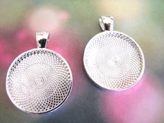 100 Silver Plated Round Bezels Pendant Trays by theglassconnection, $50.00