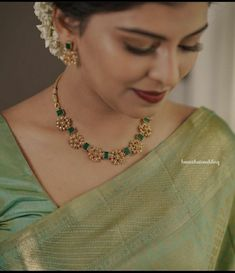 Pearl Necklace Designs, Jewelry Design Earrings, Gold Earrings Designs, Gold Jewellery Design, Simple Jewelry, Earrings For Saree, Indian Jewelry, Bridal Jewelry, Fashion Jewelry