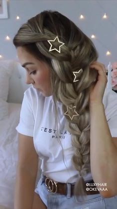 takes us through how to create a long full braid with her Sandy Blonde Luxy Hair extensions. # Braids how to videos How To: Long Full Braid Sandy Blonde, Brown Blonde Hair, Half Braided Hairstyles, Easy Hairstyles, Hairdos, Luxy Hair Extensions, Clip In Hair Extensions Styles, Blonde Extensions, Natural Hair Styles