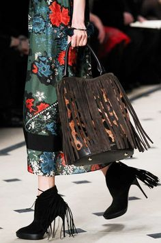 """Burberry's """"The Bucket Bag"""" in leopard with brown suede fringe on the F/W '15 runway"""