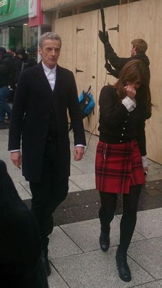 Behind the scenes of series 8 of Doctor Who with Peter Capaldi as the doctor and Jenna-Louise Coleman as Clara Oswin Oswald Doctor Who 12, Twelfth Doctor, Eleventh Doctor, Tv Doctors, Clara Oswald, Peter Capaldi, Jenna Coleman, Torchwood, Matt Smith
