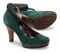 Sofft Manhattan suede-wrapped platform in emerald. #shoes #fall #trends