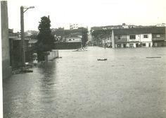 28 de dezembro de 1975 - Rua Falchi Gianini, na Vila Prudente, em mais uma cena de enchente.