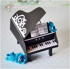 fortepian z papieru