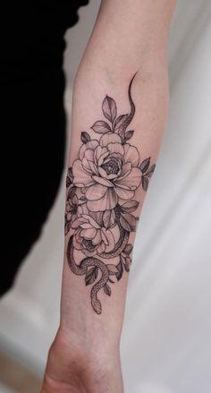 Mini Tattoos, Rose Tattoos, Body Art Tattoos, Small Tattoos, Arabic Tattoos, Neck Tattoos, Dragon Tattoos, Tattos, Snake And Flowers Tattoo