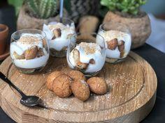 Trifle met bitterkoekjes en lemoncurd - Familie over de kook Party Sweets, Lemon Curd, High Tea, Delicious Desserts, Sweet Tooth, Bbq, Deserts, Party Ideas, Recipes