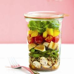 salad in a jar http://bit.ly/H7AyQT