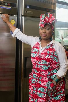 """Regal Red Apron & Headwrap. Our Aprons are on Etsy....FREE SHIPPING ON ALL ITEMS....APRONS CAN BE PURCHASED ALONE AS WELL AS THE HEADWRAPS.. $10 OFF WHEN YOU PURCHASE BOTH TOGETHER USING CODE """"PREORDER"""" WHEN YOU PURCHASE FOR THE DISCOUNT.  https://www.etsy.com/shop/AnnieMaesCookwear?ref=hdr_shop_menu#AnnieMaesAprons #AnnieMaesCookWear #aboutthatkitchenlife #MadeInBrooklyn"""