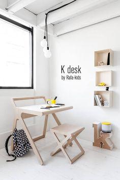 Mooi houten bureautje en subtiele gele accenten - K desk + x stool Rafa-kids