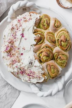 This Cardamom Rose and Pistachio Rolls recipe is featured in the Entertaining feed along with many more. Easy Baking Recipes, Healthy Baking, Recipe Tin, Dinner Party Recipes, Cinnabon, Bread And Pastries, Rolls Recipe, Savoury Cake, Clean Eating Snacks