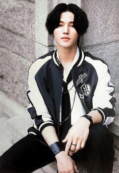 Jung Woo Young, Instyle Magazine, Cosmopolitan Magazine, Kim Woo Bin, Kim Hongjoong, Bae Suzy, Flower Boys, Wedding Art, Funny Design