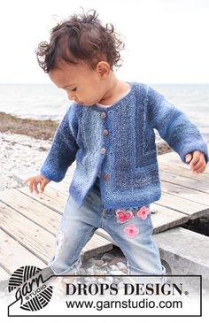 Baby Knitting Patterns Jacket Tamzyn / DROPS Baby – Knitted Jacket with Kraus Ribs for Babies and Children … Baby Knitting Patterns, Baby Cardigan Knitting Pattern Free, Baby Sweater Patterns, Knitting For Kids, Baby Patterns, Free Knitting, Crochet Patterns, Stitch Patterns, Baby Boy Sweater