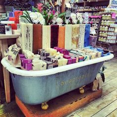 Retail store soap display in repurposed vintage old bathtub Gift Shop Displays, Craft Fair Displays, Store Displays, Display Ideas, Retail Displays, Public Display, Old Bathtub, Bath Tub, Vintage Bathtub