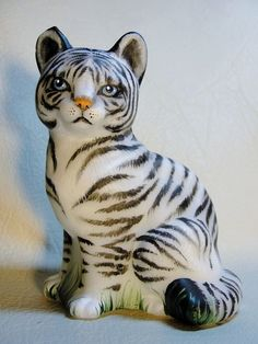 Fenton OOAK White Tiger Cat Kitten Cub Exotic and Beautiful - CC Hardman.