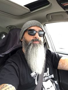 - Beard Tips Grey Beards, Long Beards, Long Beard Styles, Hair And Beard Styles, Moustache, Beard No Mustache, Beard Logo, Beard Tattoo, Shaved Head With Beard