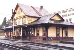 MISSION, British Columbia, Canada Railway Station - Classical Revival Style architecture Old Train Station, Train Stations, Model Train Layouts, Model Trains, British Columbia, Cabin, Architecture, House Styles, Canada